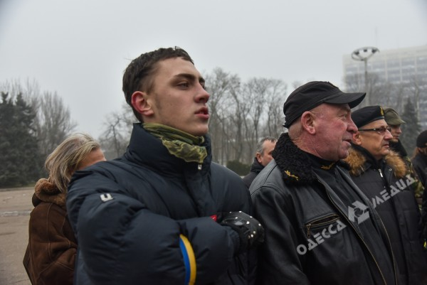 В Одессе милиция живой стеной разделила «Самооборону» и «Антимайдан» (ФОТО), фото-11