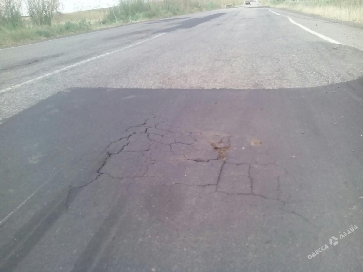 c964bb759c2d479ecbcaf33cc2435575 Одесская область: слой нового асфальта можно продавить велосипедом