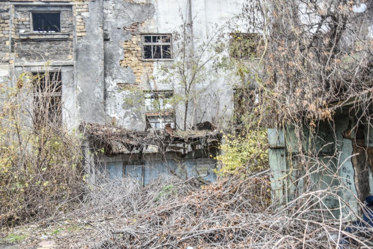 0ebadc97dff630f21dcfedfa9d8826b7 Одесса: завод, который был гордостью страны, превратился в развалины