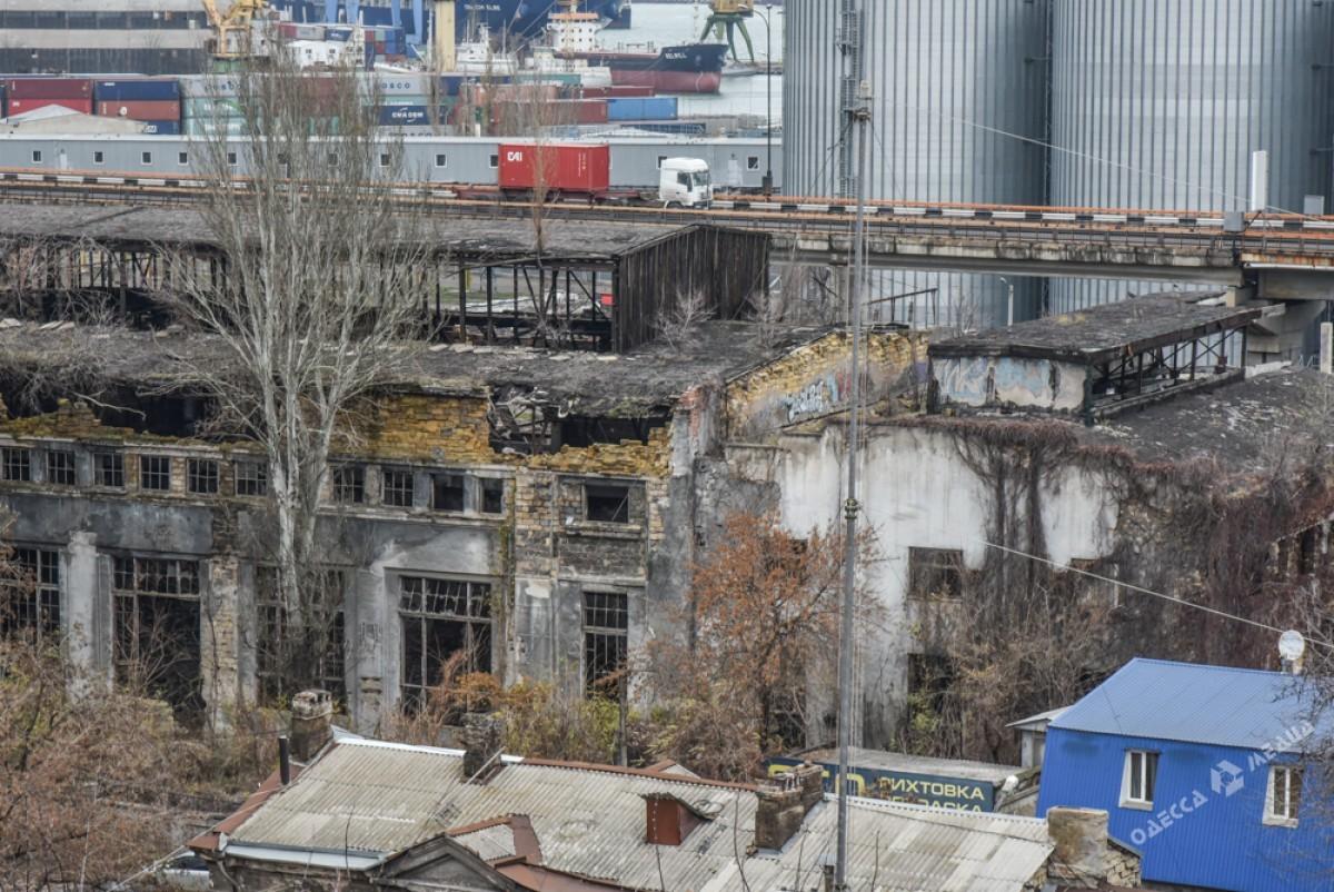 2313e51a2060c26c4c3724aaba3235f2 Одесса: завод, который был гордостью страны, превратился в развалины