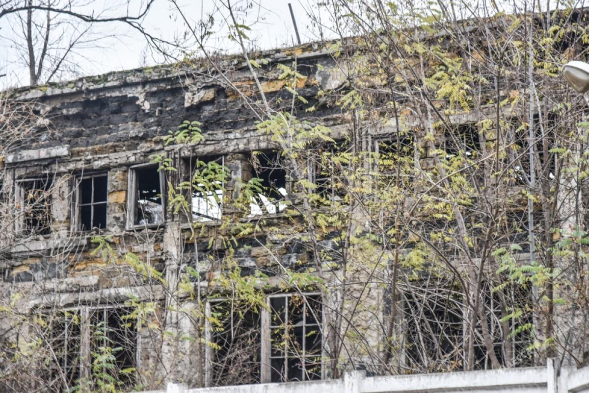79480591c9e89f33618d352054e50573 Одесса: завод, который был гордостью страны, превратился в развалины