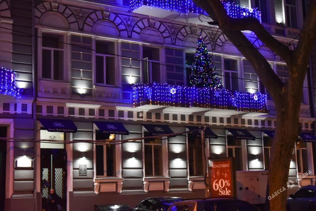 305536977ce8c0743d0aca0c8a655600 Красота новогодней Одессы: иллюминация и елки